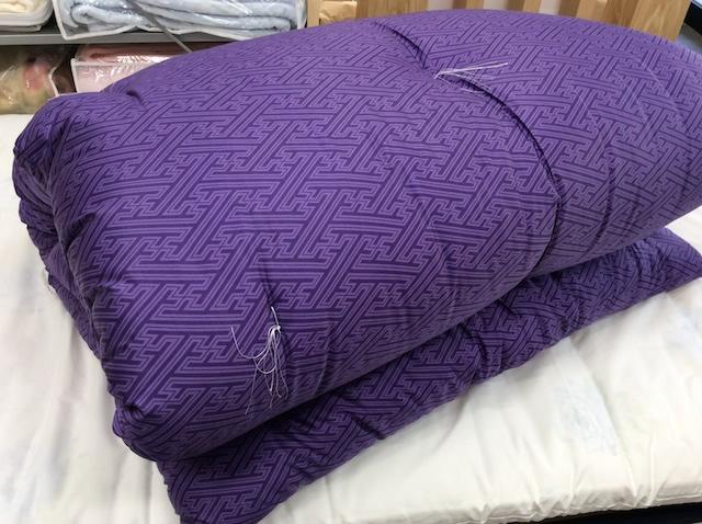 紫のお布団・敷